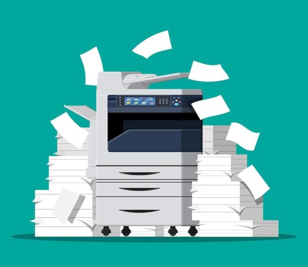 Máquina multifuncional de escritório. pilha de documentos em papel.