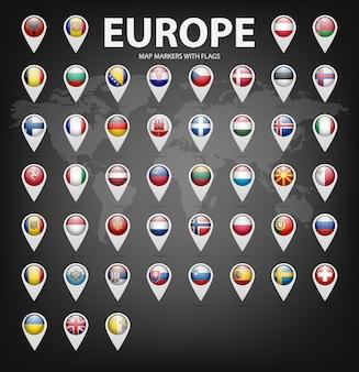 Marcadores de mapa branco com bandeiras - europa.