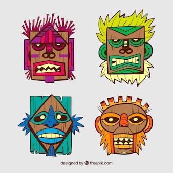 Máscaras tribais desenhadas a mão