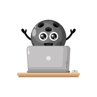 Mascote da personagem fofa do laptop da bola de boliche