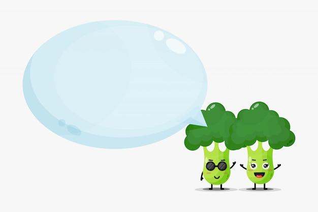 Mascote de brócolis fofo com discurso de bolha