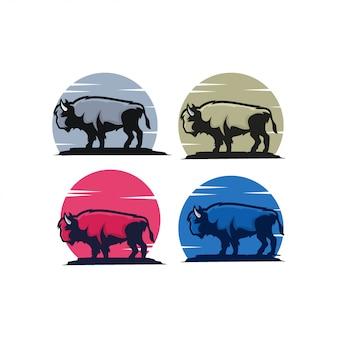Mascote de fazenda de vaca de desenhos animados de touro