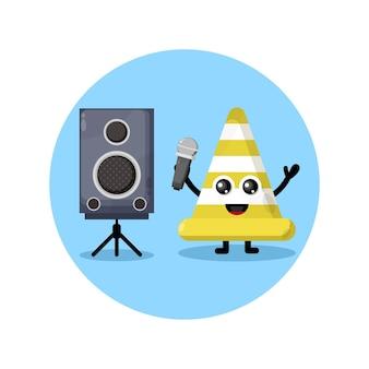 Mascote de personagem fofinho de karaokê de cone de trânsito
