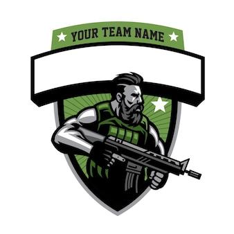 Mascote do soldado barbudo segurando rifle de assalto