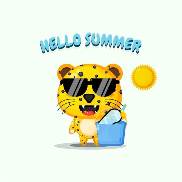 Mascote leopardo fofo carregando um balde com saudações de verão