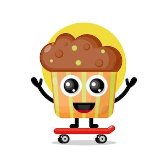 Mascote personagem fofa de cupcake skate