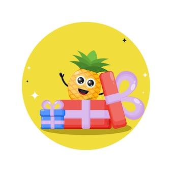 Mascote personagem fofa de presente de aniversário de abacaxi
