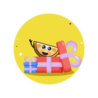 Mascote personagem fofa de presente de aniversário laranja