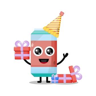 Mascote personagem fofa de refrigerante de aniversário