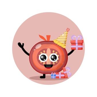 Mascote personagem fofa de tomate de aniversário