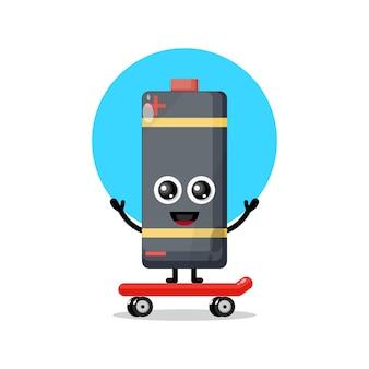 Mascote personagem fofinho de skate de bateria jogando bateria