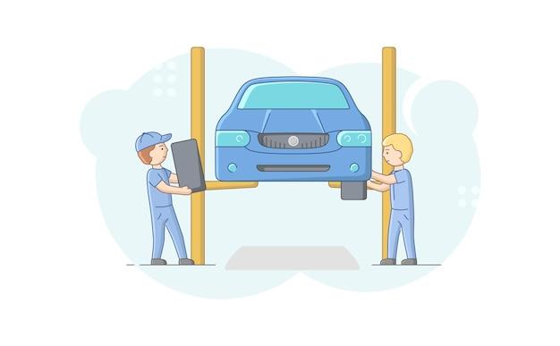 Mecânica em troca de uniforme de pneus de veículos usando ferramentas e elevador de carro
