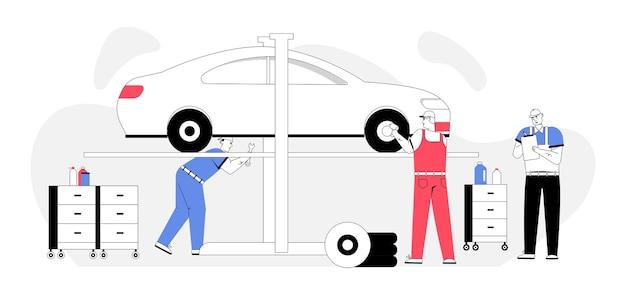 Mecânico de automóveis inspeciona automóvel, repara roda, faz acordo, fatura cliente no serviço de carro.