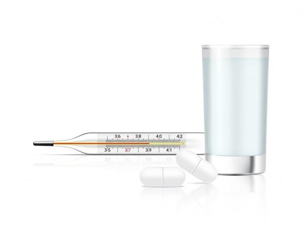 Medicina realista comprimidos sobre fundo branco com copo de água e termômetro