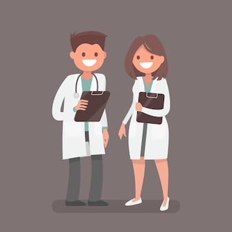 Médico e enfermeira.