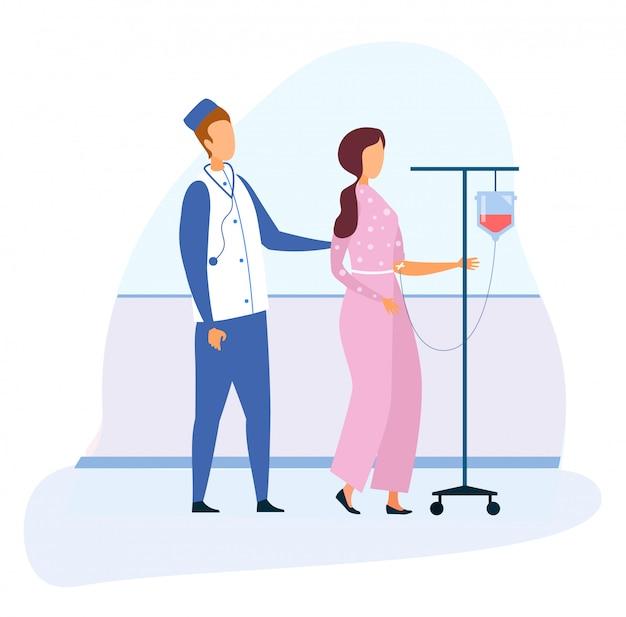 Médico e mulher com desenhos animados a andar de lâmpada de gotejamento