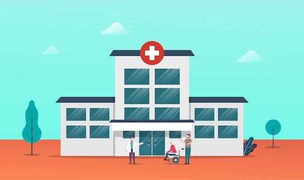 Médico e paciente idoso em frente ao prédio do hospital para atividade de visitas ao hospital.
