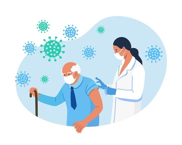 Médico, enfermeiro dando vacina contra coronavírus em um homem idoso. vacinação de idosos para imunidade de saúde para covid-19. imunização de adultos