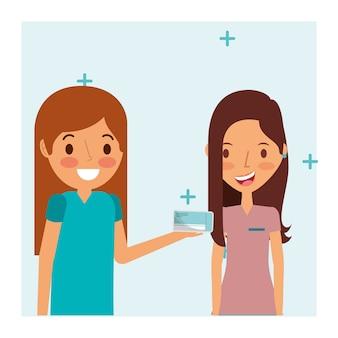 Médico feminino, dando, mulher, paciente, medicina, empacotar, pílulas