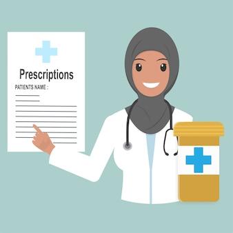Médico feminino muçulmano com prescrições e pílulas