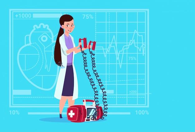Médico feminino, segure, desfibrilador, clínicas médicas, trabalhador, reanimation, hospitalar