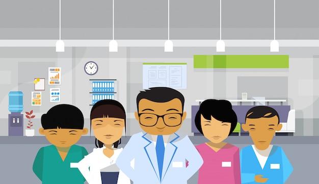 Médicos, grupo, asiático, equipe, hospitalar, interior, fundo