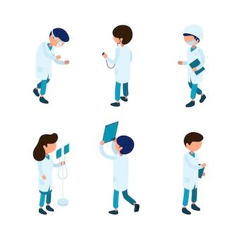 Médicos isométricos. equipe médica paramédico cirurgião ambulância pessoa hospital caracteres coleção isométrica