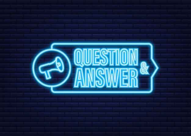 Megafone com perguntas e respostas. ícone de néon. banner do megafone. designer de web. ilustração em vetor das ações.