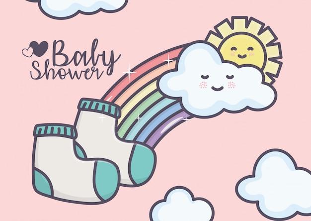 Meias do chuveiro de bebê sol arco-íris nuvens cartão rosa