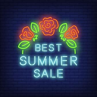 Melhor venda de verão, assinar em estilo neon. ilustração com texto azul e rosas vermelhas com folhas.