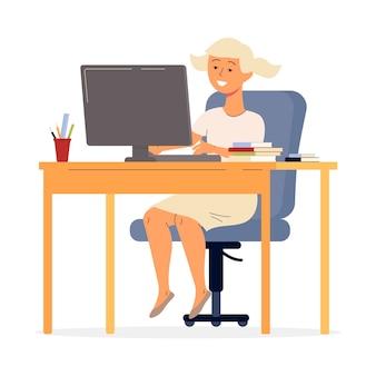 Menina adolescente sentada na mesa com o computador e estudando