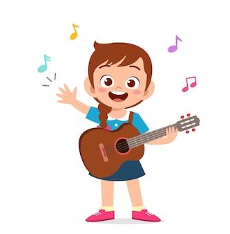 Menina bonitinha tocando violão em show