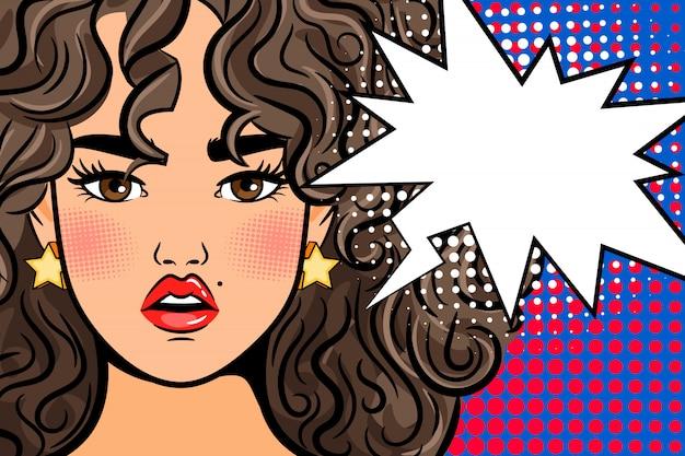 Menina chocada pop art com bolha do discurso