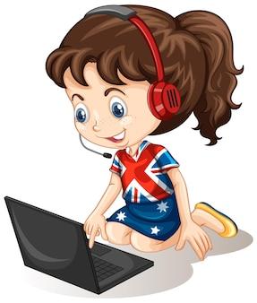 Menina com laptop em fundo branco