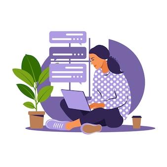 Menina com laptop na poltrona. trabalhando em um computador. freelance, educação online ou conceito de mídia social. trabalhar em casa, trabalho remoto. estilo simples.