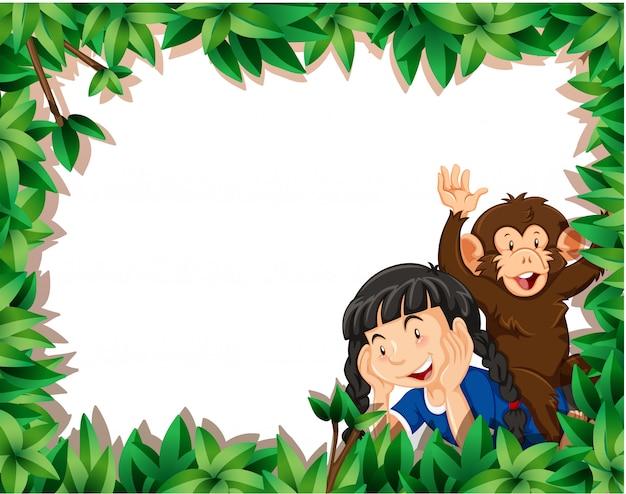 Menina com macaco no fundo de quadro de natureza com copyspace