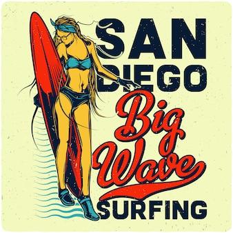 Menina com prancha de surf