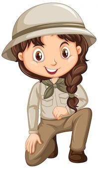 Menina com roupa de safari no isolado