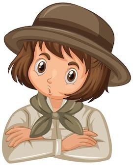 Menina com uniforme de escuteira em fundo isolado