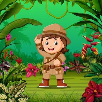 Menina corajosa ficar no meio da selva