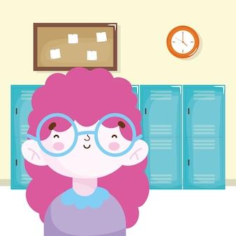 Menina feliz no quadro do relógio dos armários da escola do corredor