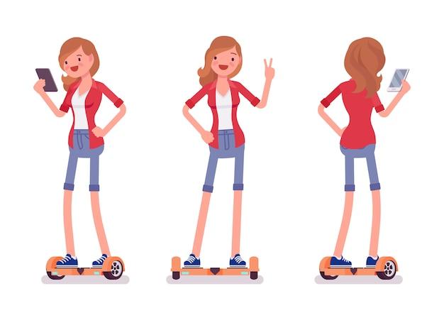 Menina gyroscooter equilibrando com smartphone