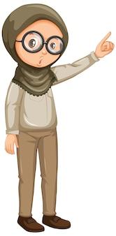 Menina muçulmana em roupa de safari em branco