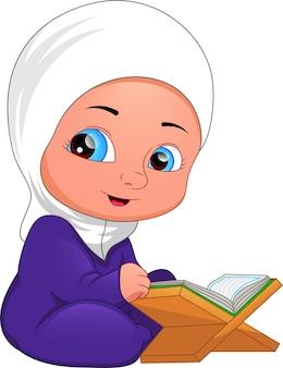 Menina muçulmana lendo alcorão