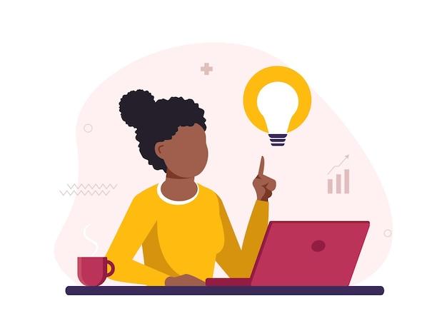 Menina negra trabalhando em um laptop e tendo uma ideia de promoção