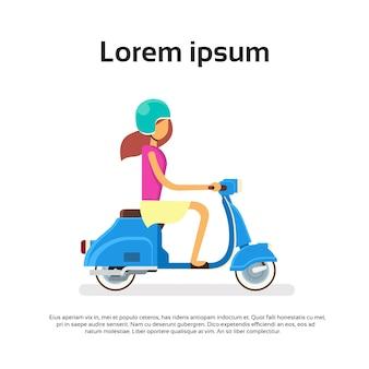 Menina passeio moto scooter plana