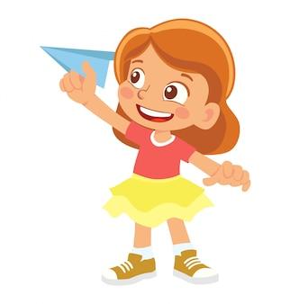 Menina segura o avião de papel
