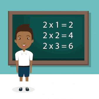 Menino africano com caráter de sala de aula de lousa