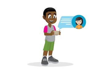 Menino africano com notificação das mensagens do bate-papo no smartphone.
