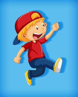 Menino bonito com boné vermelho com estrangulamento na posição de andar personagem de desenho animado isolado em fundo rosa